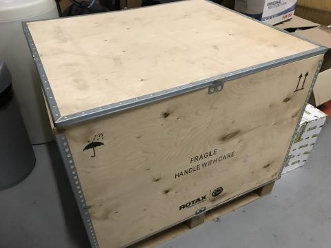 Original Rotax 914 engine crate